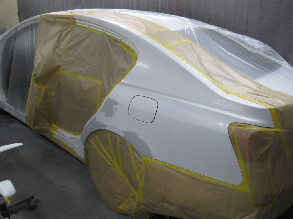 レクサスGS350、左クォーターパネル塗装前