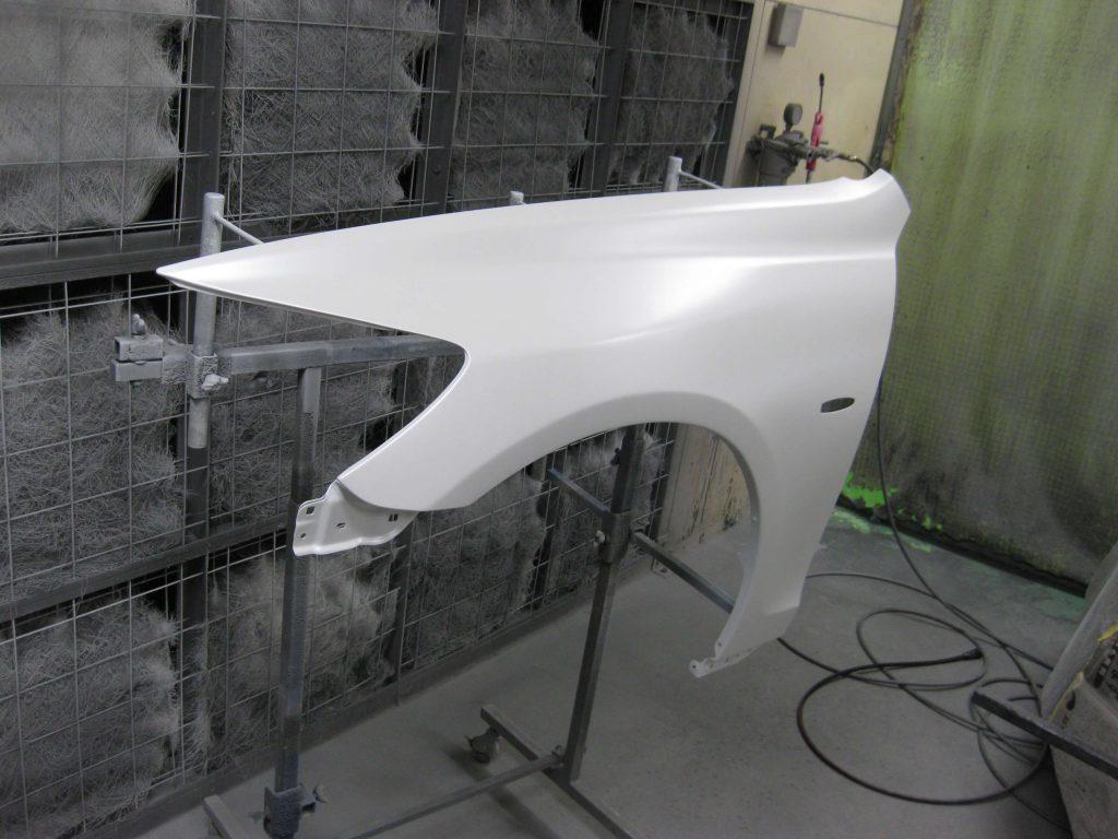 レクサスGS350、左フロントフェンダーベースコート、パールベース塗装