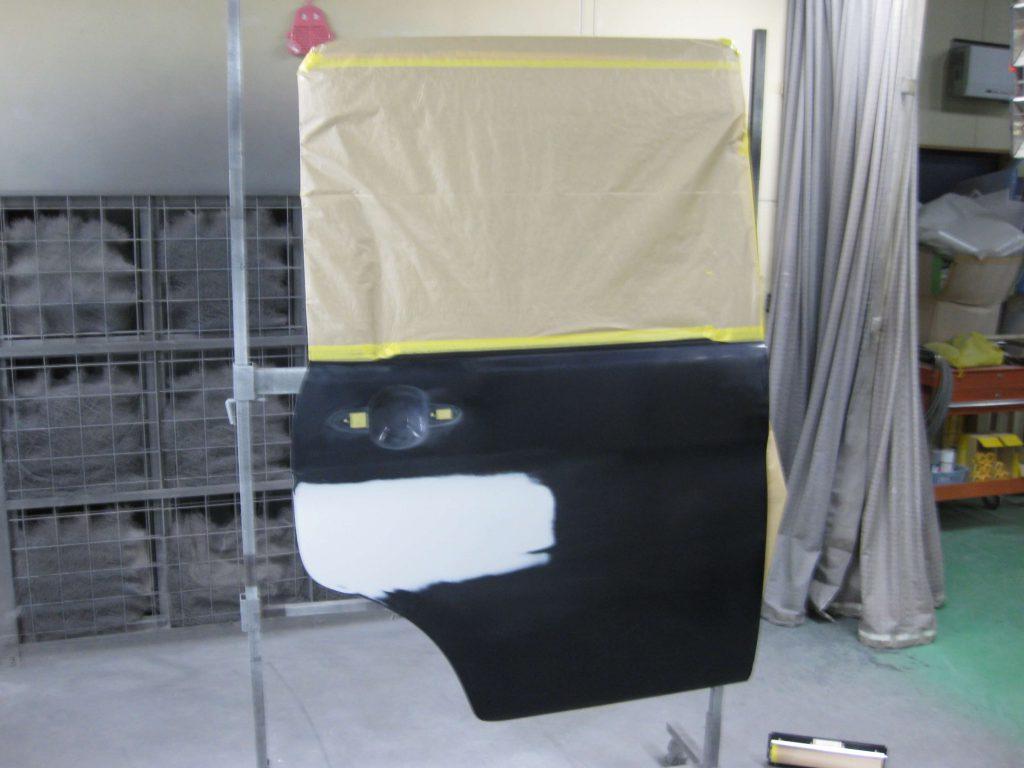 ダイハツ・タント、リアドア塗装前