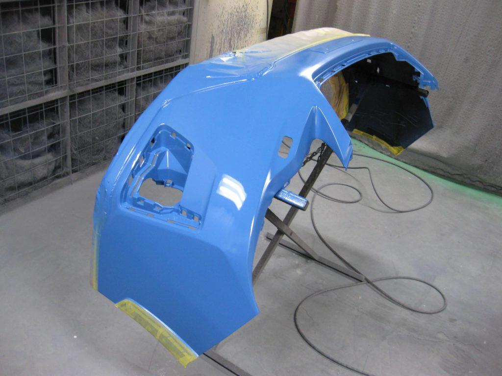 スバル・XV、フロントバンパーベースコート塗装