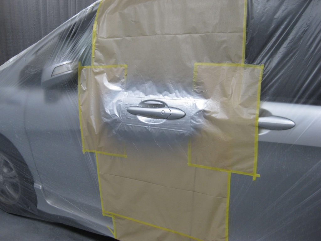 ホンダ・フリードスパイク、アウターハンドルベースコート塗装