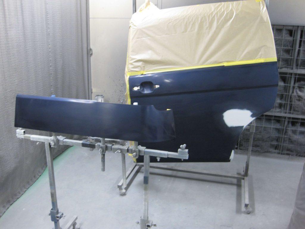 トヨタ・アイシス、スライドドア塗装前