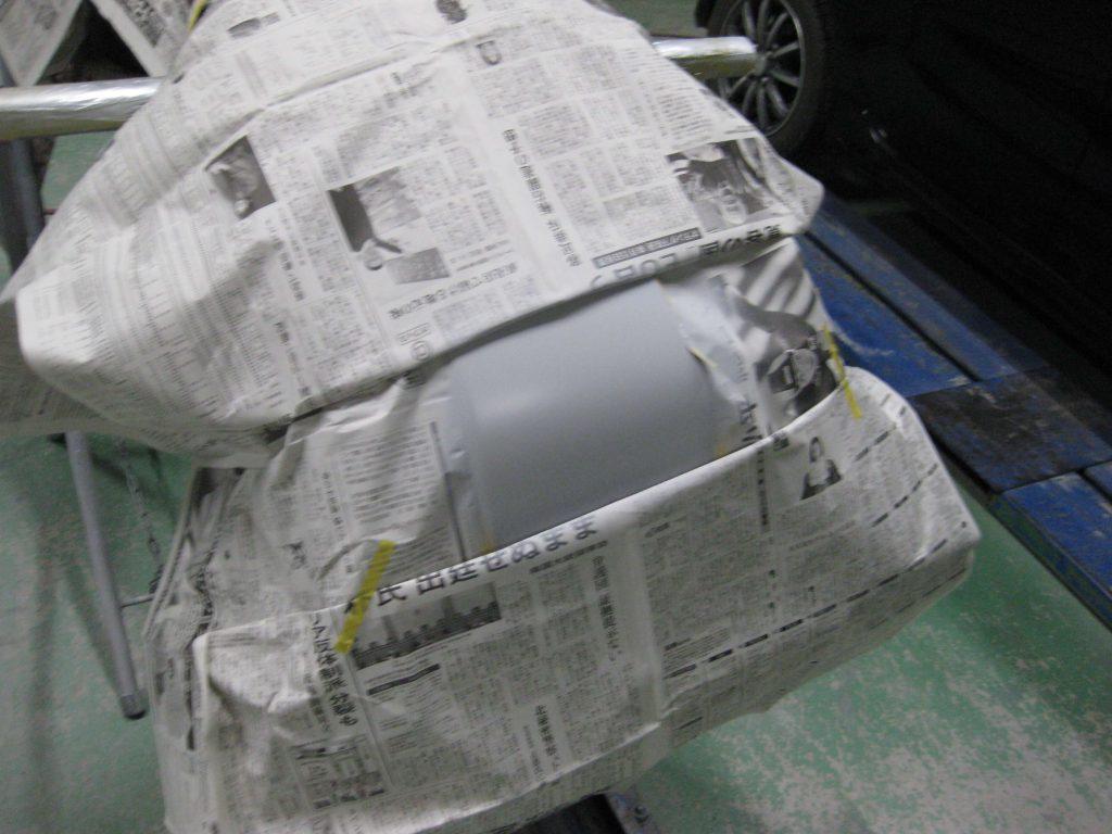 スバル・フォレスター、バンパーサフェーサー下地塗装後