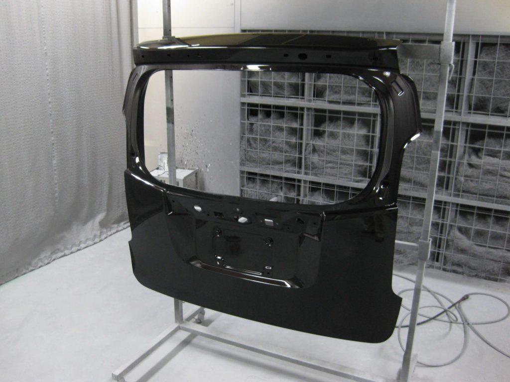 ホンダ・N-WGN、バックドアクリアー塗装