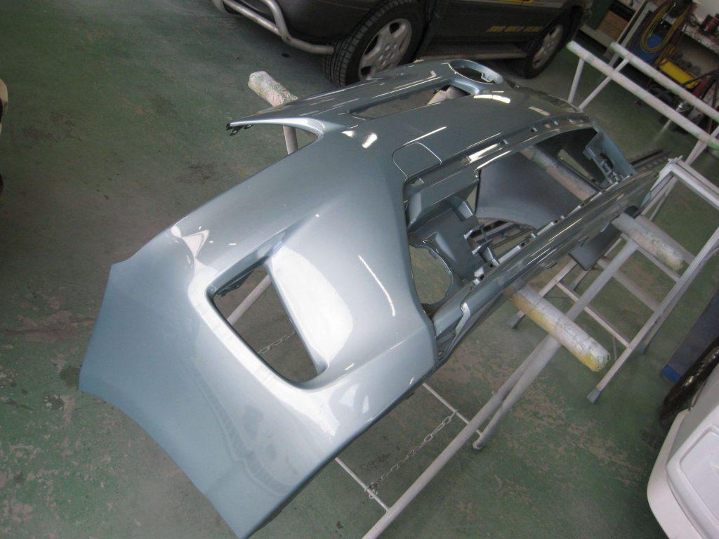 トヨタ・プリウス、フロントバンパー取り外し分解