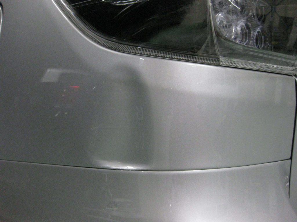トヨタ・ウィッシュ、クォーターパネル損傷箇所