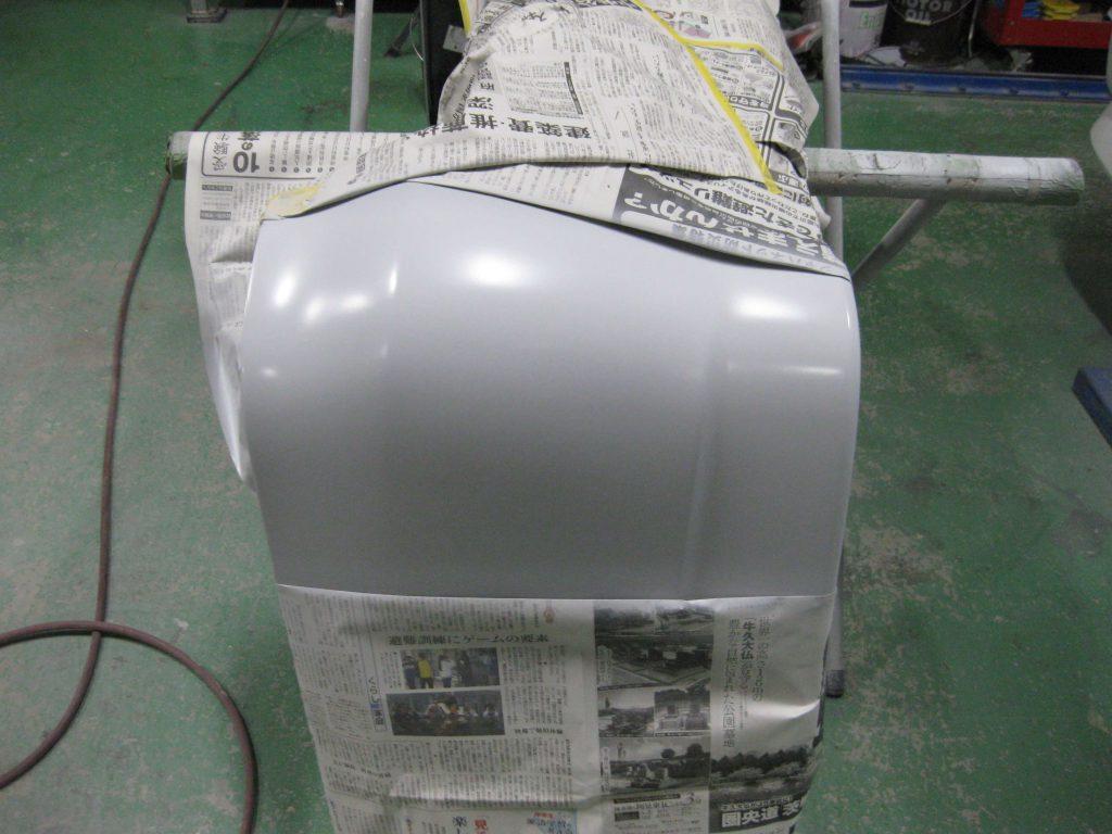 トヨタ・ウィッシュ、リアバンパーサフェーサー塗布