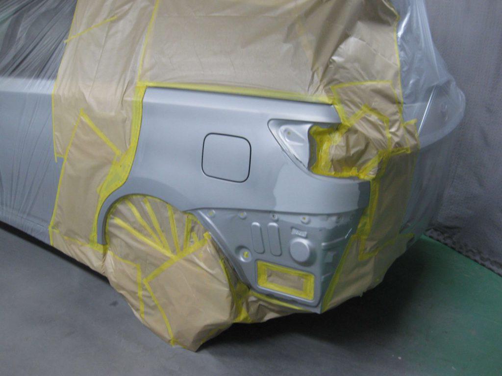 トヨタ・ウィッシュ、クォーターパネル塗装前