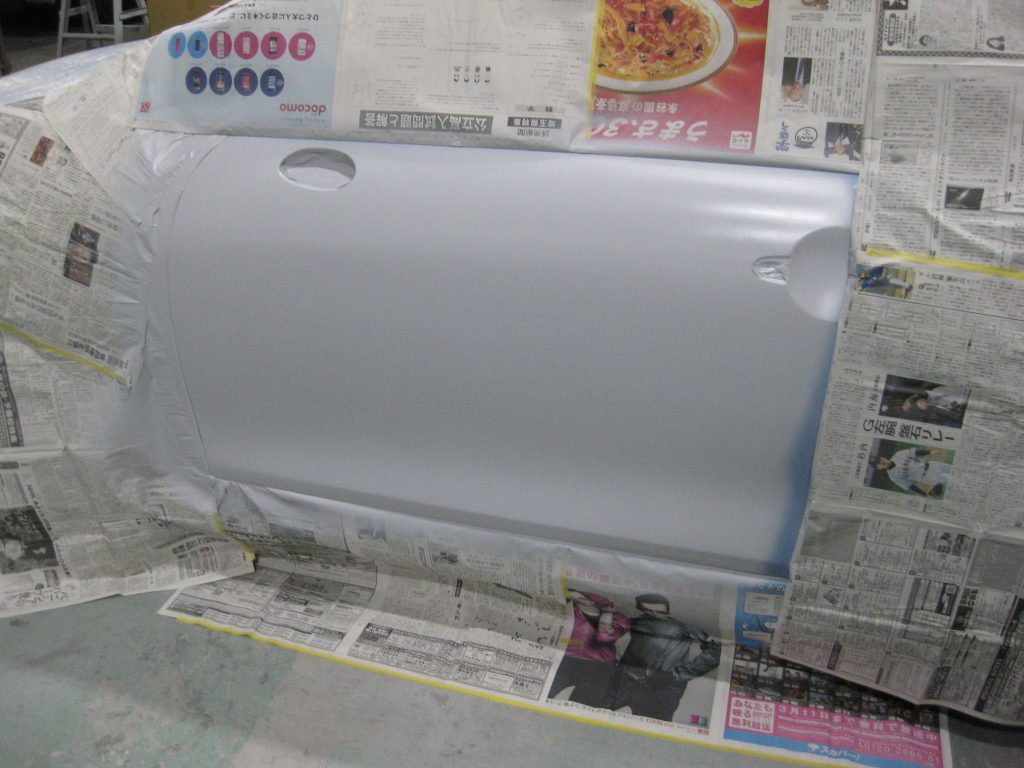 ミニ・クーパーS、フロントドアサフェーサー塗布