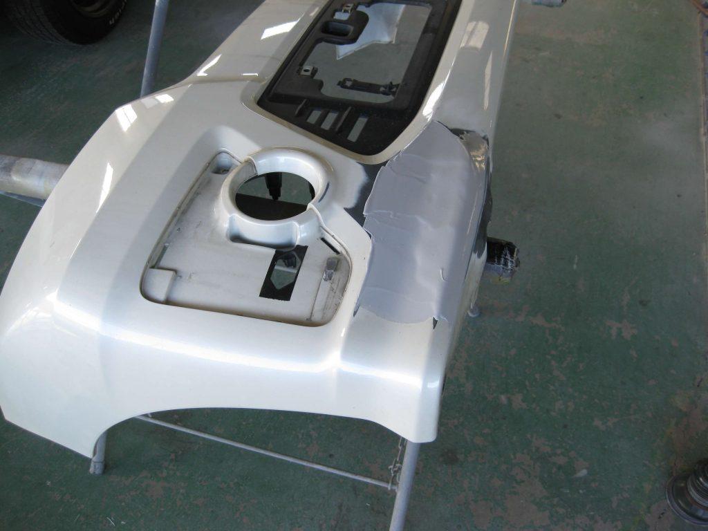 ホンダ・N-BOX、フロントバンパーパテ修正