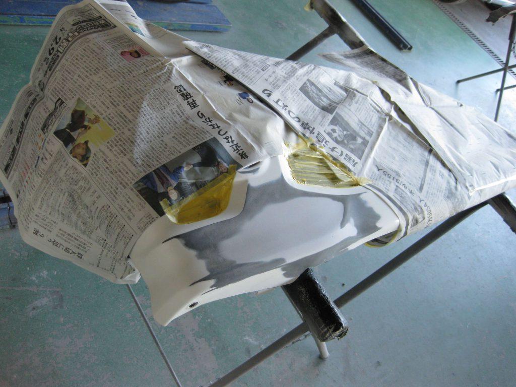 ホンダ・N-BOX、フロントバンパーサフェーサー下地塗装前