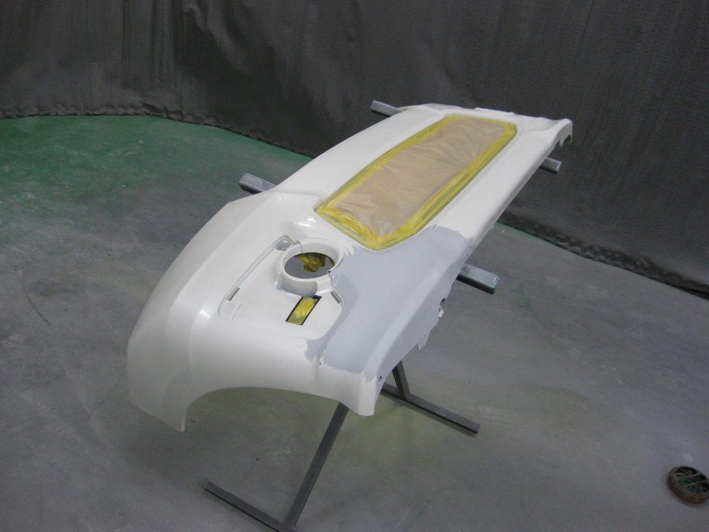 ホンダ・N-BOX、フロントバンパー塗装前