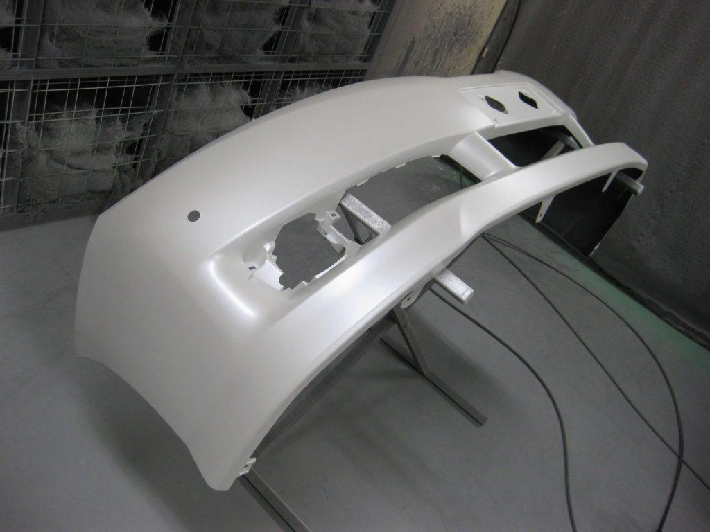 トヨタ・ウィッシュ、フロントバンパー、パールベース塗装