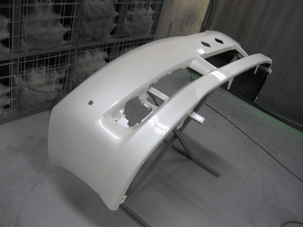 トヨタ・ウィッシュ、フロントバンパー、クリアー塗装