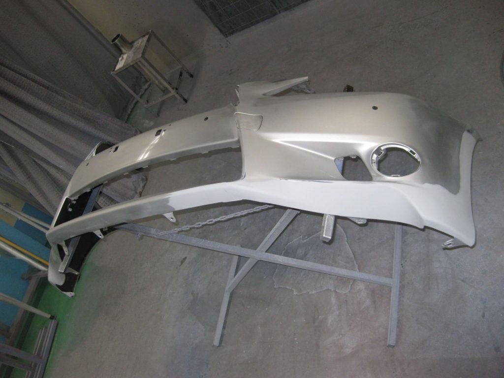 レクサスGS350、バンパー塗装前