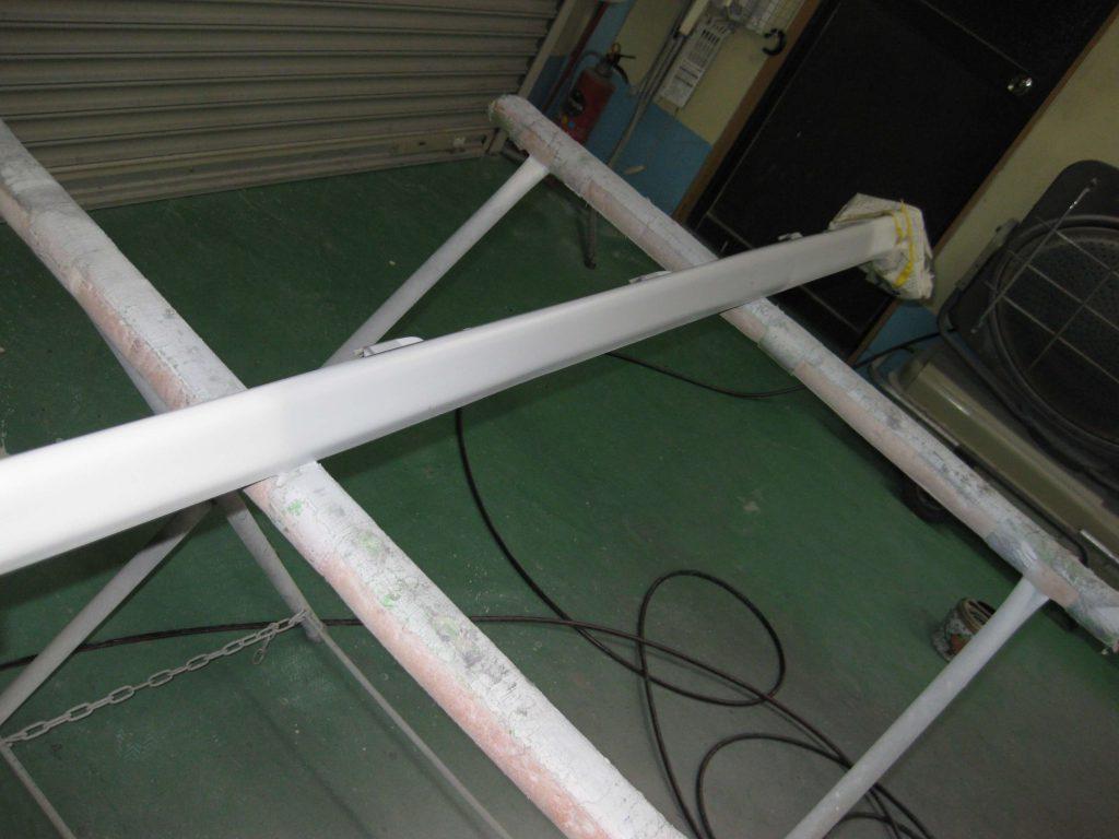 ダイハツタント、サイドマットガードサフェーサー塗布