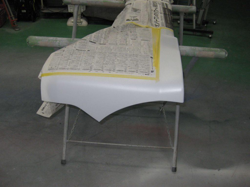 ダイハツタント、リアバンパーサフェーサー塗布