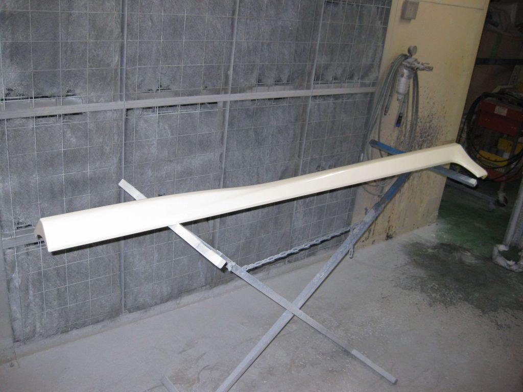 ホンダフィット、サイドステップカバー塗装