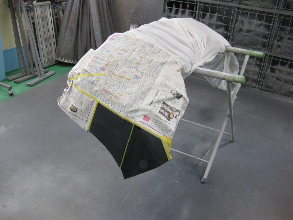 トヨタ・ランドクルーザープラド、フロントバンパー、サフェーサー下地塗装前