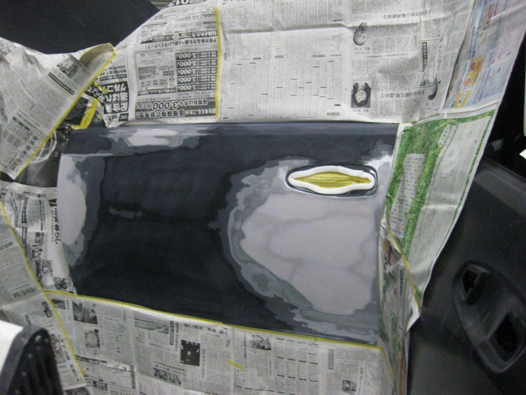 トヨタ・ランドクルーザープラド、フロントドア、サフェーサー下地塗装前