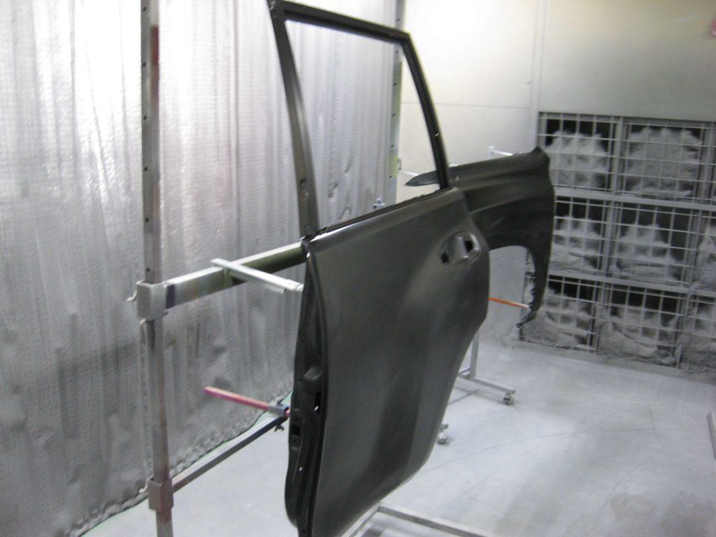 トヨタ・ランドクルーザープラド、リアドア、塗装前