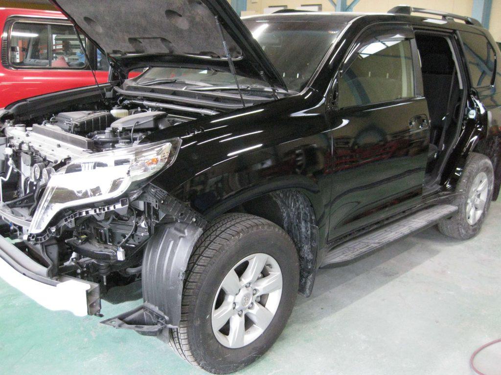 トヨタ・ランドクルーザープラド、フェンダー・フロントドア、部品の取り付け